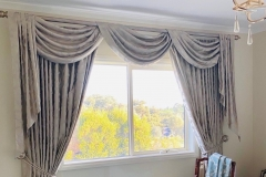 Drapes-swags-n-tails-LaCasa-Heritage-on-ARTRAK-rod-Lustre-up-close